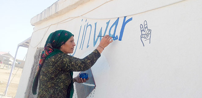 Kadınlara ait bu köy feminist bir ütopya olarak kuruldu. Şimdi tehdit altında
